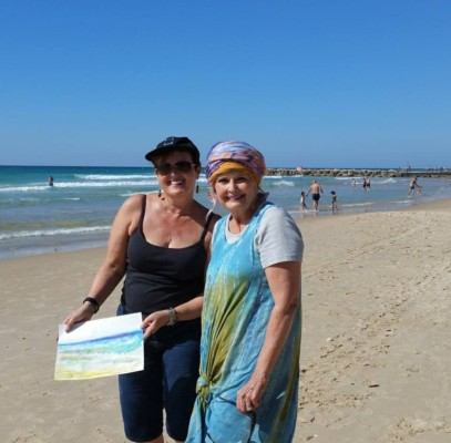 pic of D'vorah Calic with Rozalie at Haifa Beach